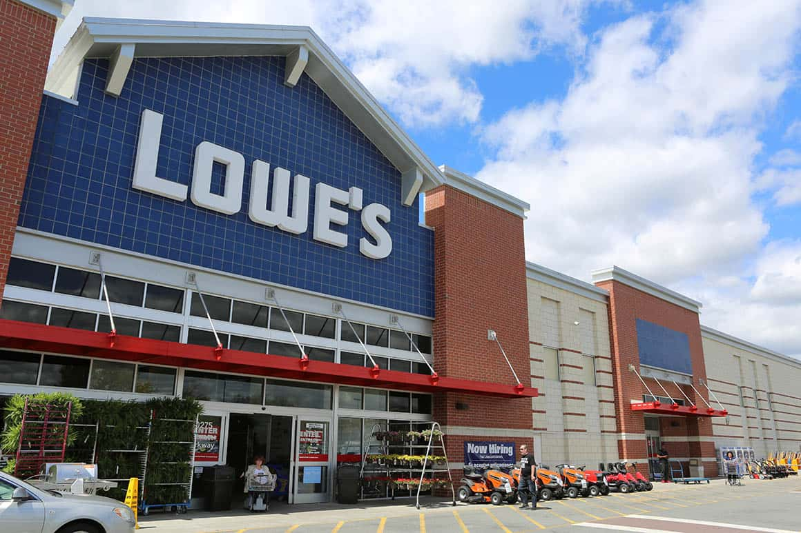 Lowes-store